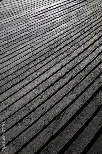Textured plastic planks made from high-density polyethylene