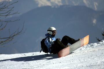 caduta in snowboard