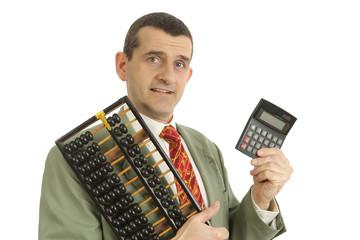 Homme d'affaires et calculette