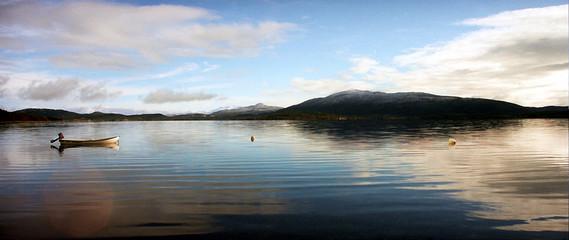 le calme au bord du lac