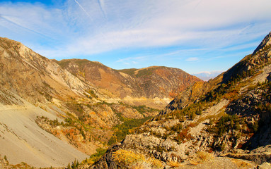Looking down from the top of Tioga Pass outside Yosemite