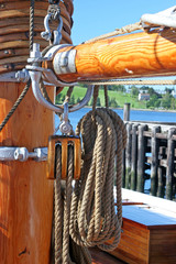 Sailing Ship Mast, Ropes & Pullies