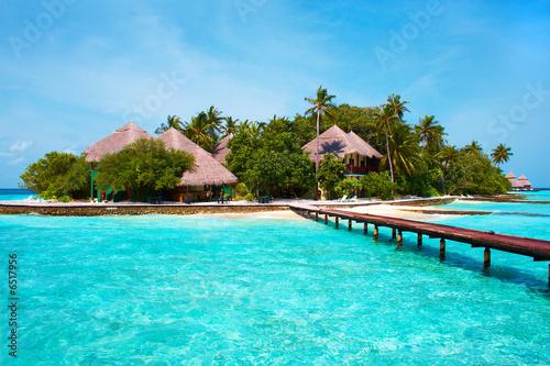 Leinwanddruck Bild Island in the Ocean. Welcome to Paradise!
