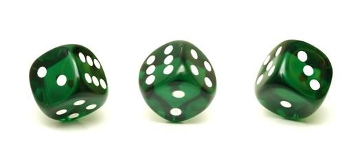 Trois dés verts