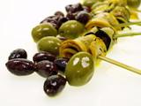anti pasti zucchini mit grünen u. schwarzen oliven poster