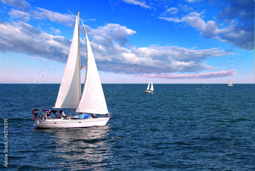 Sailboats at sea - 6578391