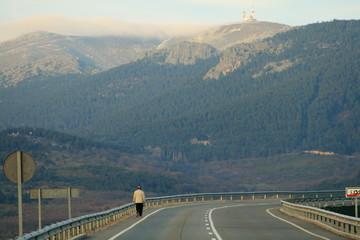camino y barrera