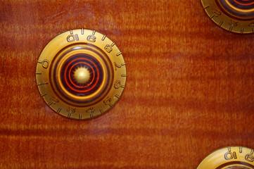 Single knob focus on a Les Paul guitar