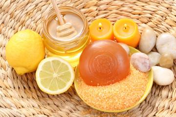 honey and lemon bath