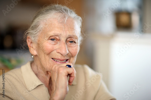 Leinwanddruck Bild Happy senior woman portrait