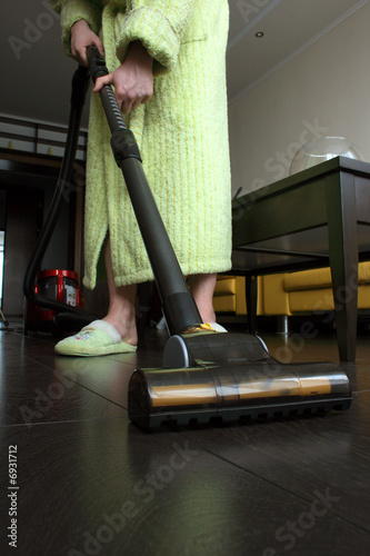 Housekeeping: cleaning the floor
