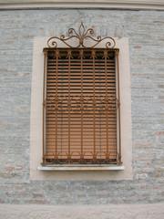 Fenster im Dorf