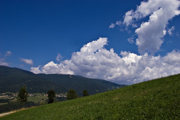 Nuvole e montagna