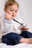 enfant bébé ciseaux danger risque avaler dangereux accident poster