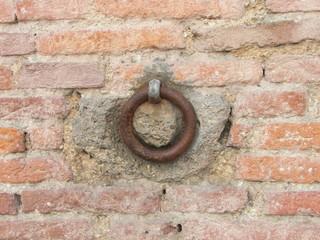 Anello nel Muro