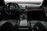 Tam BMW 325 interiéru