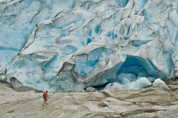 Ice geometry, man challange glacier