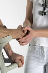 Arzt - Doktor - Medizin - Patient - Hand - Hände