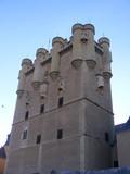 Vista de la torre de homenaje del Alcazar de Segovia poster