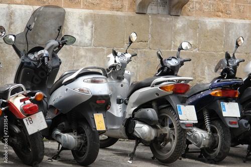 skutery-na-ulicy
