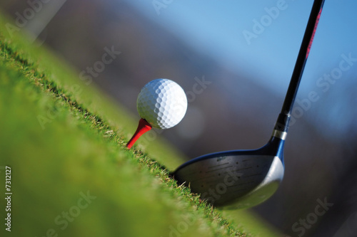 mazza da golf e pallina