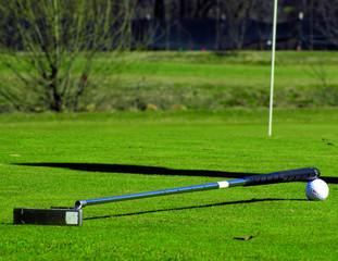 mazza da golf e pallina