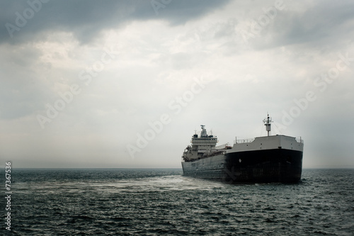 Large Commercial Ship - 7367536
