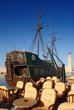 caravelle dans le port de rethymno en crète