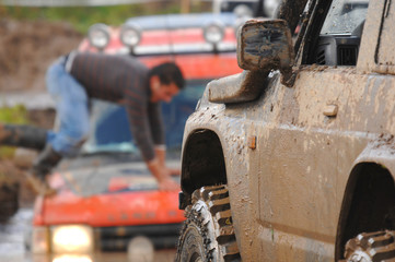 Raid 4X4 adventure race - focus on the  first car