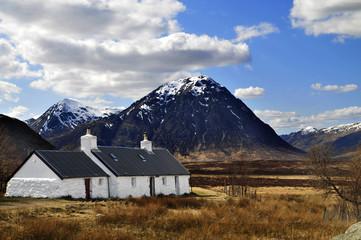 Buchaille Etive Mor mit cottage