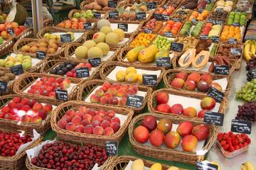 Obst  - frische Früchte