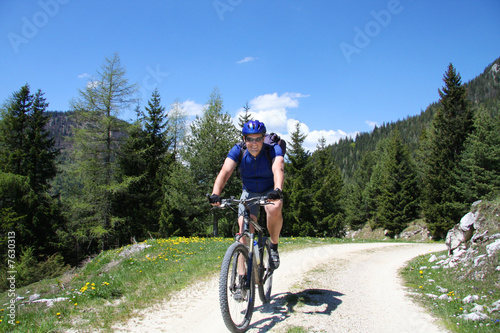 Mountainbike - Mountainbiker in den Bergen