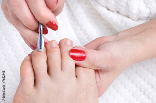 pedicure applying