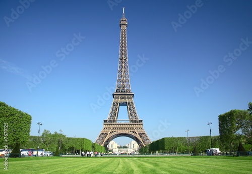 paris, tour eiffel sur le champ de mars