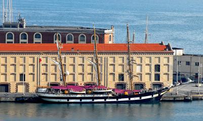 veliero e nave scuola