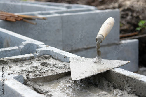 Leinwanddruck Bild Foundation wall construction