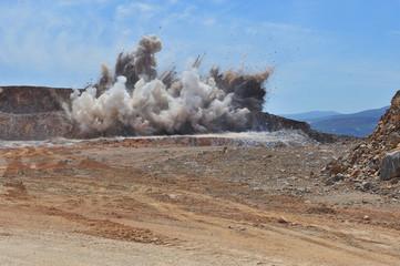 lime stone blasting, exploding