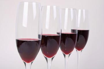 Vier Gläser