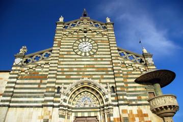 Prato, Cattedrale di Santo Stefano: la facciata