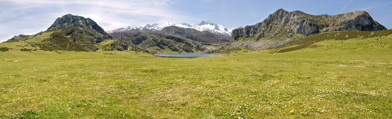 Mountain and lake (panoramic)