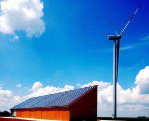 Solaranlage und Windenergie