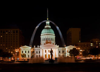 St Louis - old court house at night
