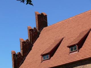 Dach mit Giebel