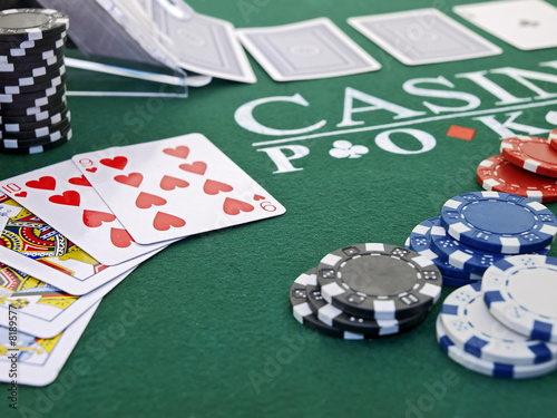 Plexiglas Las Vegas poker spiel set,chips,karten,casino games,straight flush