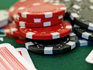 poker spiel set,chips und karten