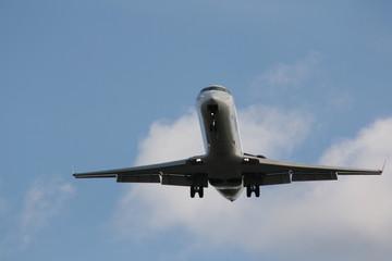 Canadai Jet 700