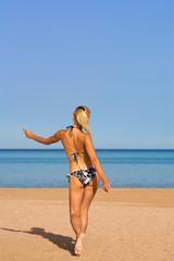 Walkimg beach