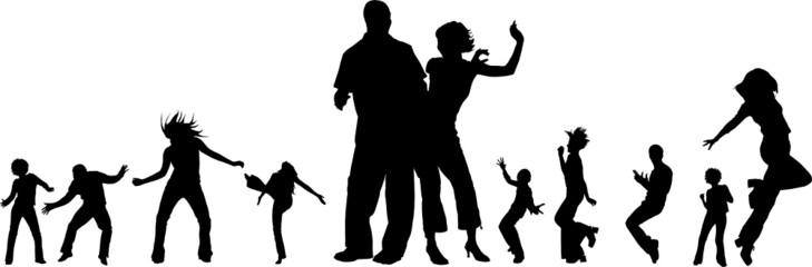 silhouettes de jeunes gens dansant