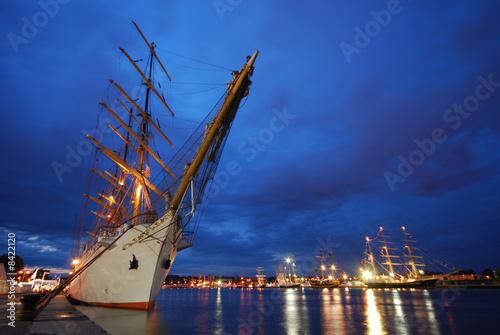 armada - 8422120