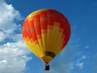Heissluftballon im Allgäu-Himmel
